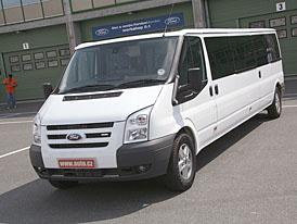 Ford Transit XXL: Svezli jsme se v autě, ve kterém na velikosti záleží