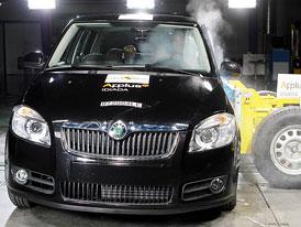 Euro NCAP: �koda Fabia II proti zdi (crashtest video)