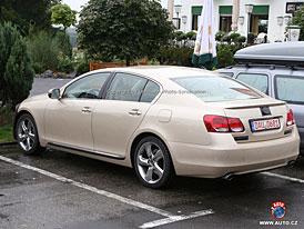 Spy Photos: Mírné stylistické retuše modelu Lexus GS