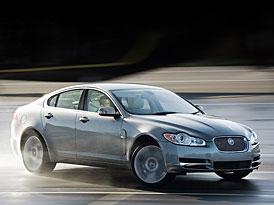 Jaguar XF: kočka už zase skáče vysoko (první foto+info)