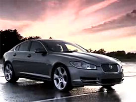Video: Jaguar XF – staticky i při jízdě se svými stvořiteli