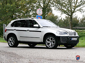 Spy Photos: BMW X5 M s motorem 6,0 V12?