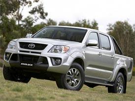 Toyota TRD Hilux: Na dřevo přes závodní dráhu