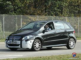 Spy Photos: Facelift pro Mercedes-Benz třídy B