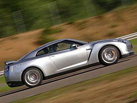 Nissan GT-R: Zabiják Porsche přiznal barvu