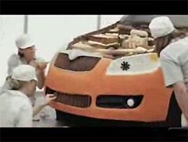 Reklama na upečenou Škodu Fabia sklízí úspěch (video)