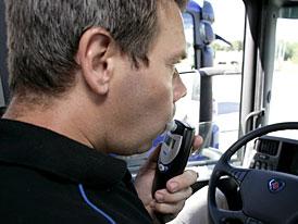 Scania Alkohol-lock: opilý řidič nenastartuje
