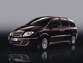 Lancia Phedra 2008: italský luxus v novém