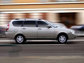 Propad prodeje aut v Rusku se stále nezpomalil (statistiky za červen a první pololetí 2009)