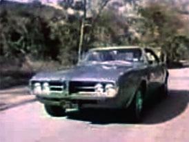 Video: Pontiac Firebird – první model tohoto jména se představuje
