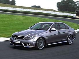 Mercedes-Benz C 63 AMG: na českém trhu za 1,85 milionu Kč - závody s BMW M3 právě startují