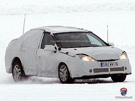 Spy Photos: Renault Laguna - poprvé jako tříprostorový sedan