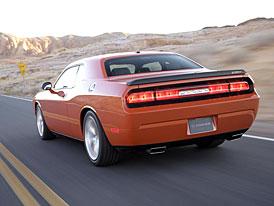Dodge Challenger SRT8: nové snímky sériového vozu (doplněno foto zádě)