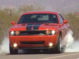 Video: Dodge Challenger SRT8 – legenda se vrací