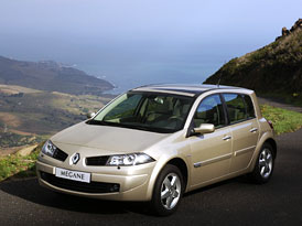 Renault M�gane: lehk� facelift a nov� stupn� v�bavy