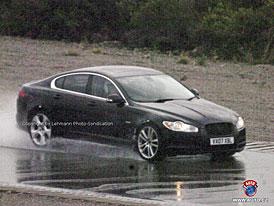 Spy Photos: Sportovn� sedan Jaguar XF-R bez maskov�n� (nov� foto)