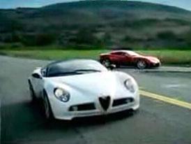 Video: Alfa Romeo 8C Competizione Spider – projížďka se starším příbuzným