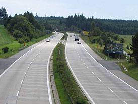 Dálniční známky: Hrozí zdražení i zpoplatnění běžných silnic
