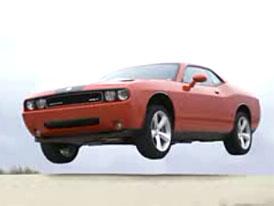 Video: Dodge Challenger SRT8 – reklama na svaly
