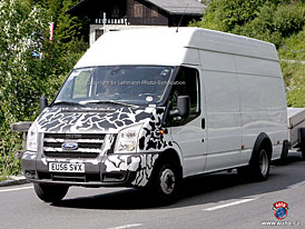Spy Photos: Chyst� Ford je�t� jeden facelift Transita?