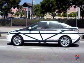 Spy Photos: Mazda 3 sedan v novém
