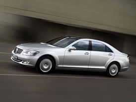 Český trh v srpnu 2008: Návrat Mercedesu na trůn v luxusní třídě