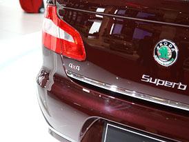 Paříž živě: Škoda Superb 4x4 s motory 1,8 TSI a 2.0 TDI CR