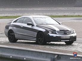 Spy Photos: Mercedes-Benz CLK - Mezigenerační srovnání
