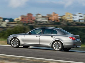 Český trh v říjnu 2008: Ve vyšší střední BMW 5 na druhém místě, vede Audi, dařilo se i Volvu