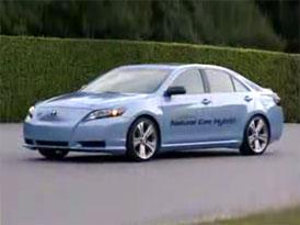 Video: Toyota CNG Camry Hybrid Concept – Na plný plyn