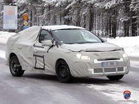 Spy Photos: Renault rozšíří rodinu Megane o sedan a kombi Grandtour