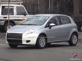 Spy Photos: Fiat Grande Punto dostane na podzim nové motory Multiair