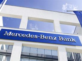 Zájemci o vklad u Mercedes-Benz Bank mají prozatím smůlu