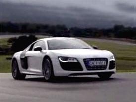 Video: Audi R8 5,2 FSI quattro – S desetiválcem před zadními koly
