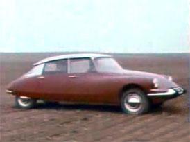 Video: Citroën DS – Dobová ukázka schopností podvozku