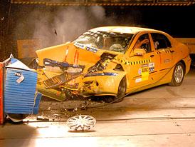 ADAC: Brilliance BS4 by podle metodiky Euro NCAP 2009 nezískal ani 1 hvězdu
