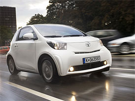 Toyota iQ: Městské mikroauto na českém trhu za 339.900,- Kč