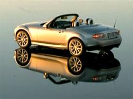 Video: Mazda MX-5 – Roadster Coupé se předvádí