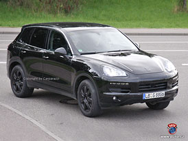 Spy Photos: Nové Porsche Cayenne - hybridní, naftové i osmiválcové