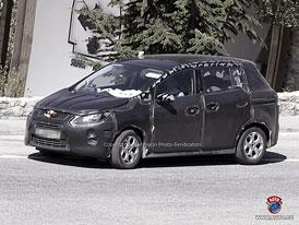 Spy Photos: Kinetický Ford C-Max - Koláž S-Maxe a Mazdy5