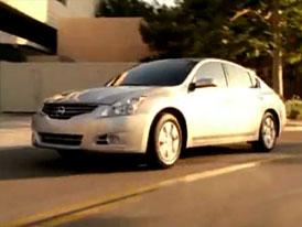 Video: Nissan Altima – Modernizovaný sedan v pohybu