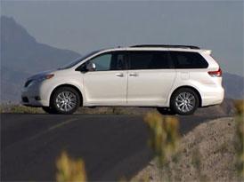 Video: Toyota Sienna – Osmimístné MPV pro USA