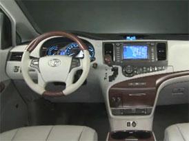 Video: Toyota Sienna – Interiér velkého MPV