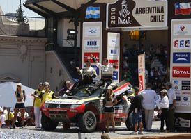 Rally Dakar 2010 (shrnutí) – průjezd bránou vítězů v Buenos Aires symbolickou tečkou za letošním závodem (+ fotogalerie)