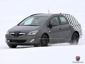 Spy Photos: Opel Astra Sports Tourer - První fotografie