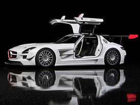 Mercedes-Benz SLS AMG GT3: Gullwing se p��t� rok vr�t� na z�vodn� trat�