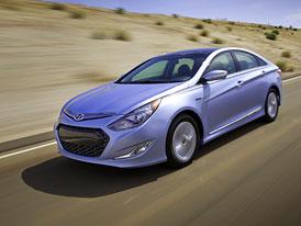 Hyundai Sonata Hybrid 2,4 CVVT (154 kW): Elektromotor má snižovat spotřebu ve městě i na dálnici