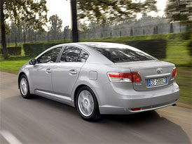 Toyota zahájila v ČR roadshow, každý účastník dostává mytí vozu zdarma