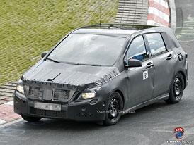 Spy Photos: Mercedes-Benz B - Vyšší karoserie, ale bez sendvičů (nové foto)