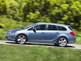 Opel Astra Sports Tourer: P��platek 32 tis�c K�, prvn� cena 357.900,-K�